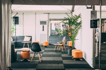 Meetdistrict and  Supernova investor pitching zone meetingrooms