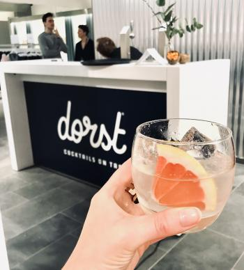 DORST partnership met Levi verhuur van bar modules met cocktails on tap
