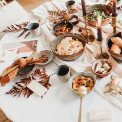 cosy dinner setting tableware rental en verhuur